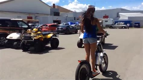 GEEBEE: Electric Scooter in Grand Prix Trois-Rivières