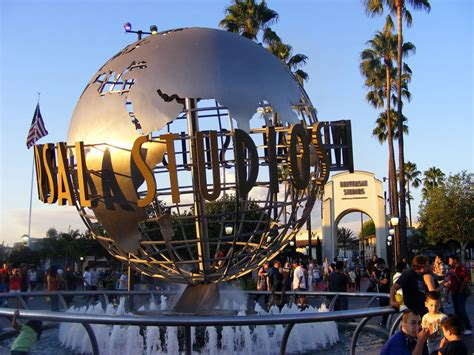Hotels Near Universal Studios That Will Delight You