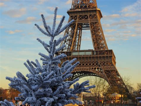 Top 10 Things to see in Paris at Christmas with Kids