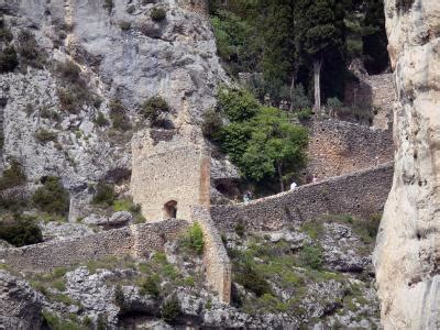 Moustiers-Sainte-Marie - Tourism & Holiday Guide