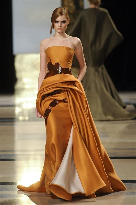 Stéphane Rolland Spring 2011 Runway Pictures - Livingly