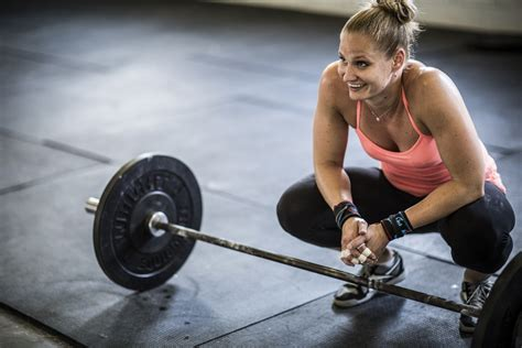 What To Expect At Your First CrossFit Workout   HuffPost