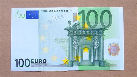 100 Euro Banknote (One Hundred Euro / 2002) Obverse and