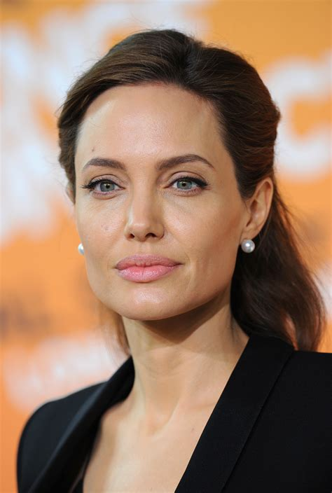 Angelina Jolie might have some custody issues, experts