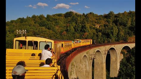 The Little Yellow Train, Part