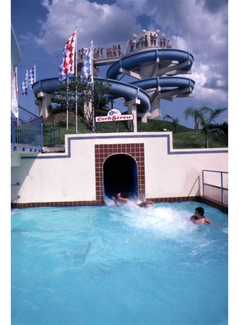 35 throwback pics of Orlando in the 1980s