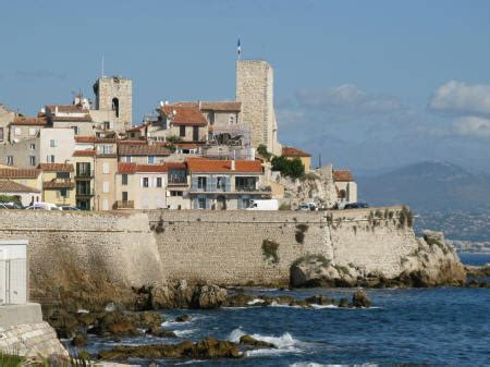Hotel Accommodation in Antibes France - near Cannes