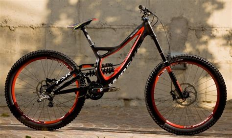 Vends VTT DH Démo 8 Taille S-2010-Comme neuf