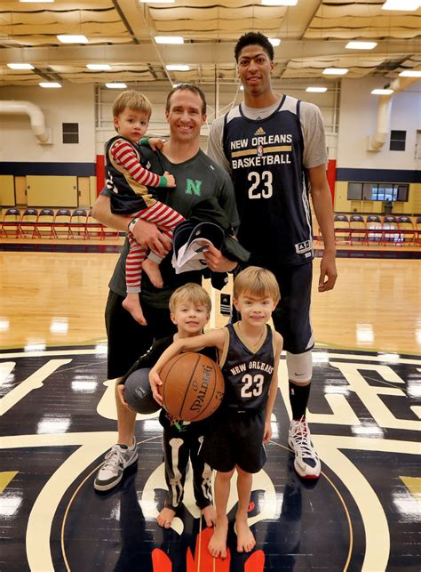 Anthony Davis and the Brees boys hang out at Pelicans